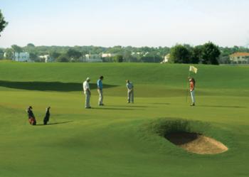 מועדון גלוף קיסריה שיעורי גולף זוגי במבצע- אתר לגדול