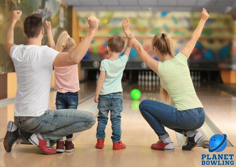 פלנט באולינג מתחם באולינג ומשחקייה לילדים