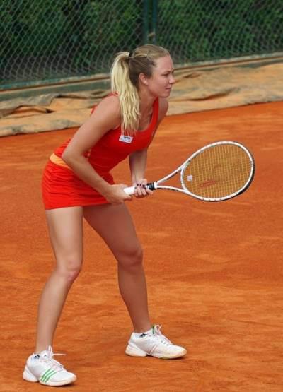 האקדמיה לטניס על טניס