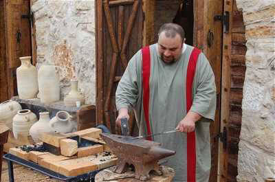 מוזיאון עין יעל, סיורים, סדנאות ופעילויות