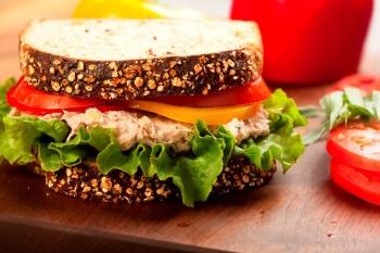 איך להרגיל ילדים לתזונה בריאה מגיל צעיר