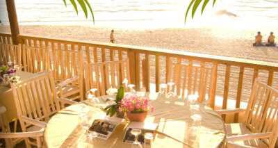 מסעדת גזיבו על החוף