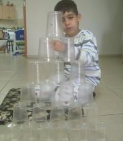 מגדל כוסות
