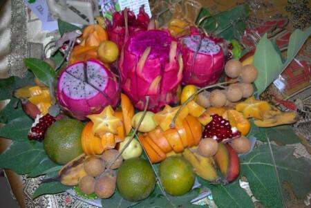 פירות אקזוטיים בבוסתן השושן