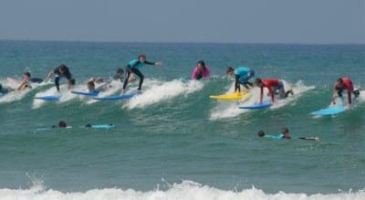 surf club  חוגים לגלישת גלים בחיפה