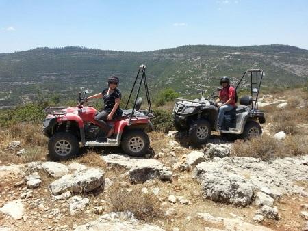 טיולי טרקטורונים בהרי יהודה אזימוט אתר לגדול