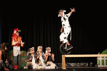 """""""קרשנדו""""  - מופע קרקס מוסיקלי, בית הספר הישראלי לקרקס כפר יהושע - לגדול"""
