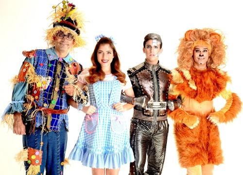 הקוסם חנוכה 2015 טל מוסרי, תובל שפיר, רוני דלומי, שיר מורנו, טוביה צפיר ועוד