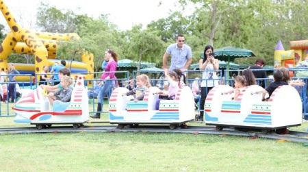 לונה כיף פארק שעשועים בקרית ביאליק בפסח 2015