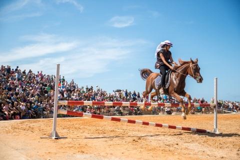 מופע הסוסים חוזר להיפודרום בקיסריה פסח 2016
