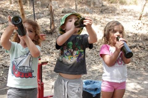 בוצרים ונהנים ביקב יפתחאל פעילות לילדים בקיץ 2016